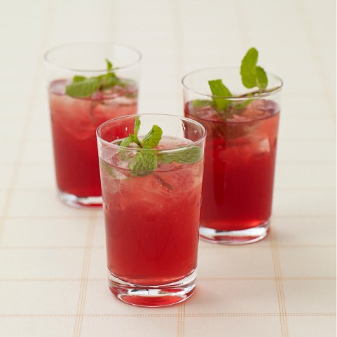pomegranate lemon mint cooler