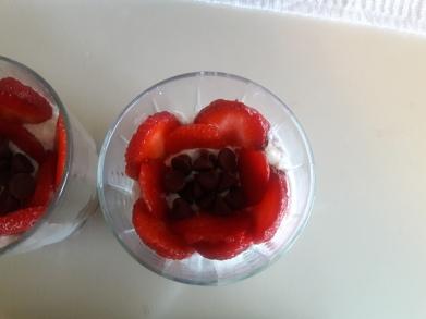 Strawberry and Kiwi fruit cream 1