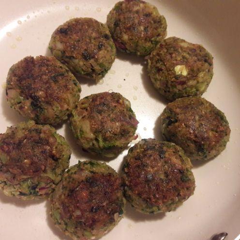 Broccoli and Oats Tiki 15