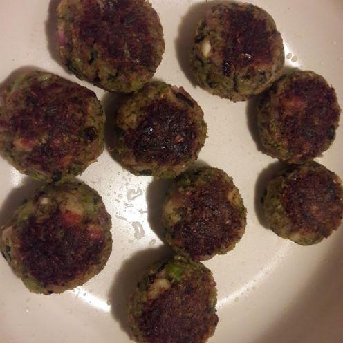 Broccoli and Oats Tiki 16