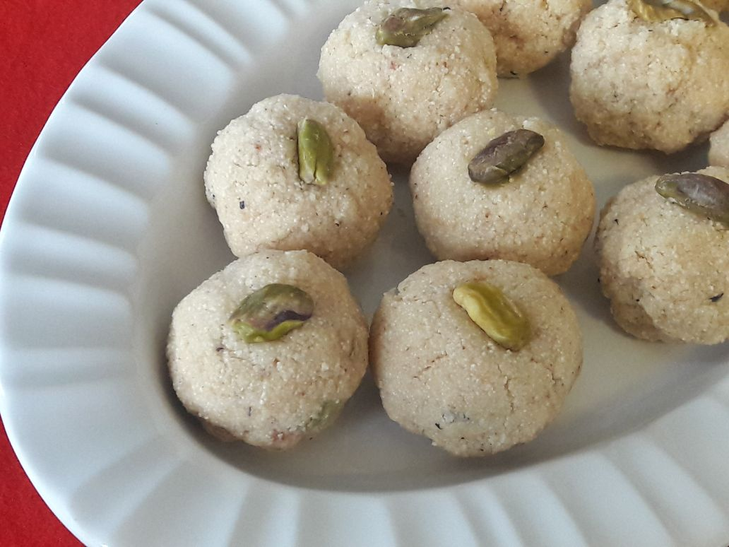 Instant Rava Laddu with Condensed Milk