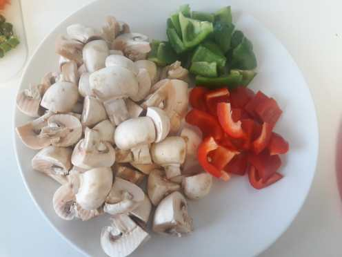 Mushroom and Capsicum Curry 1