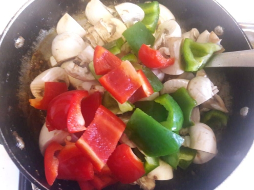 Mushroom and Capsicum Curry 14