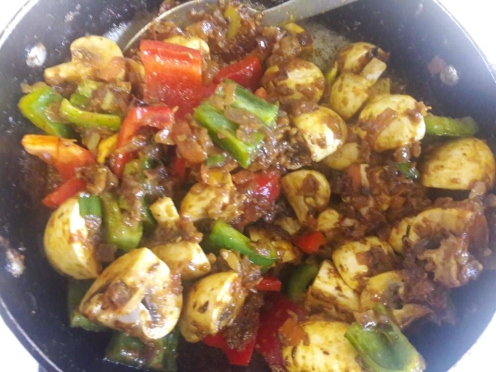 Mushroom and Capsicum Curry 15