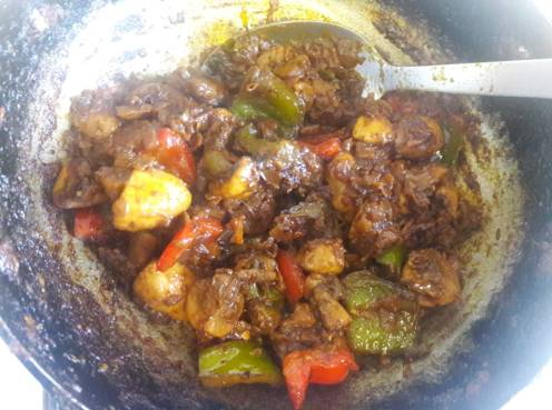 Mushroom and Capsicum Curry 17