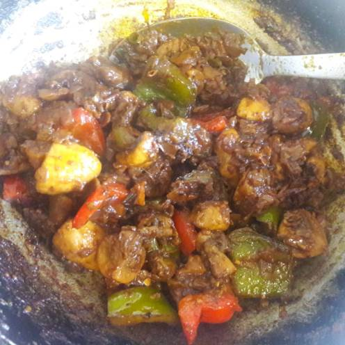 Mushroom and Capsicum Curry 17