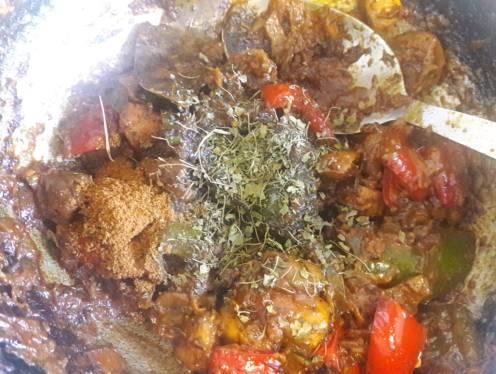Mushroom and Capsicum Curry 19