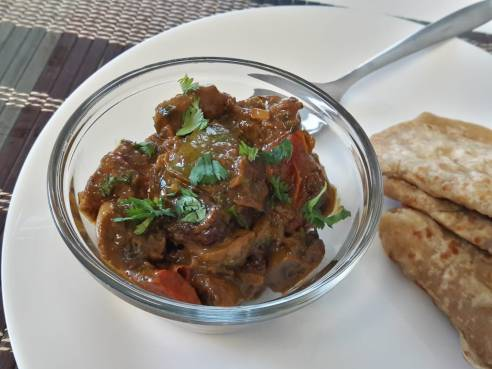 Mushroom and Capsicum Curry 23